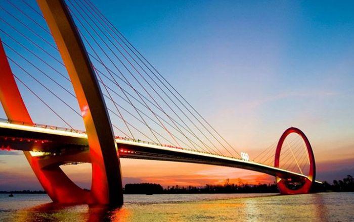 Nanjing Eye Pedestrian Bridge