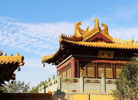 Dinglin Temple on Fang Mountain Nanjing Trip Attraction